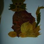 Кошка из листьев