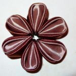 сшитый цветок