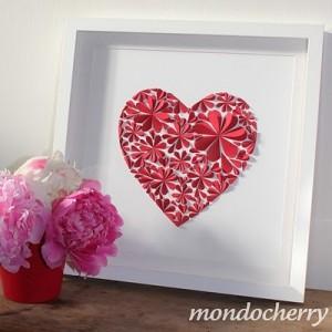 Красное сердце в рамке